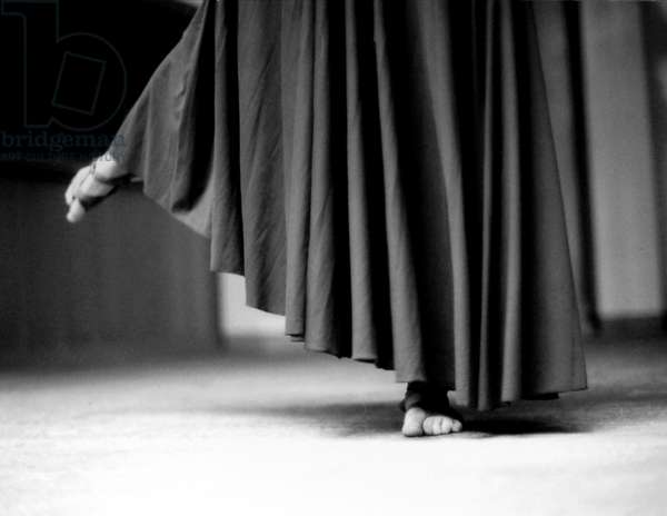 Tiny Dancer, Milan, Italy, 1999, photo black and white, by Carola Guaineri