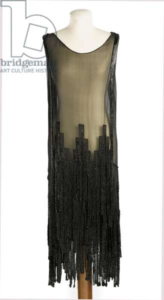 Cocktail dress of black silk chiffon, Coco Chanel, c.1926 (photo)