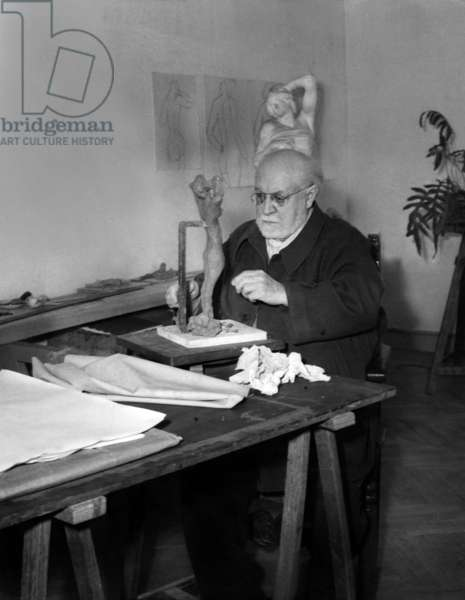 Henri Matisse Sculpting in Cimiez (Nice, French Riviera), 1951 (b/w photo)
