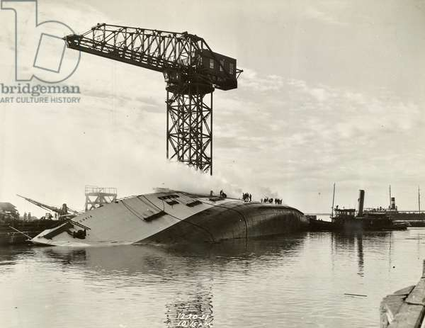 The Segovia as it sank on December 20, 1931 (b/w photo)
