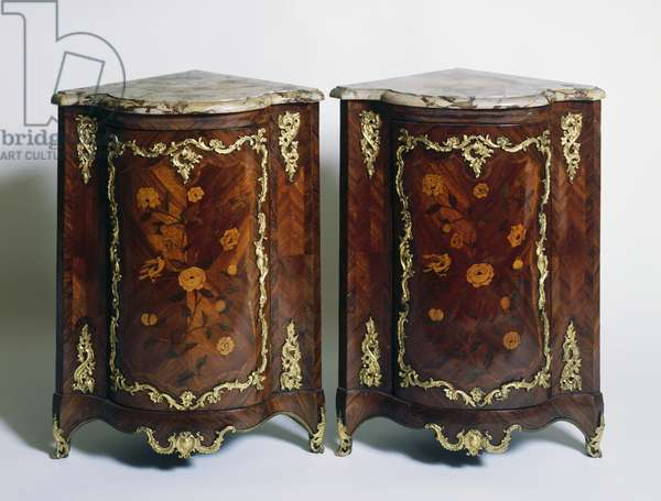 Pair of Louis XV style marquetry corner cupboards, France, 18th century