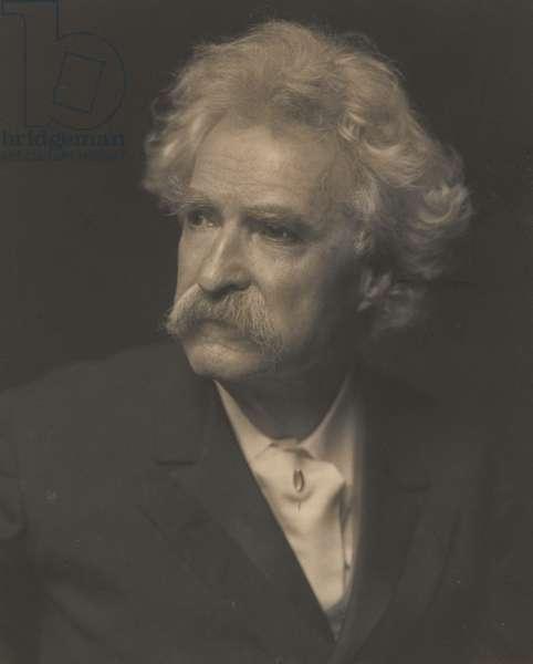 Samuel Langhorne Clemens (Mark Twain) (1835-1910), c.1907 (photo)