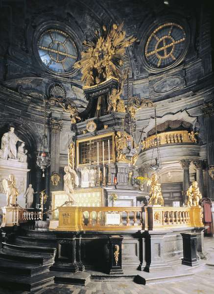Baroque altarpiece by Antonio Bertola, 1694, which preserves in silver casket Sacra Sindone (Holy Shroud of Turin), Chapel of Sacra Sindone, Architect Guarino Guarini (1624-1683), Cathedral of Saint John Baptist, Turin, Piedmont, Italy