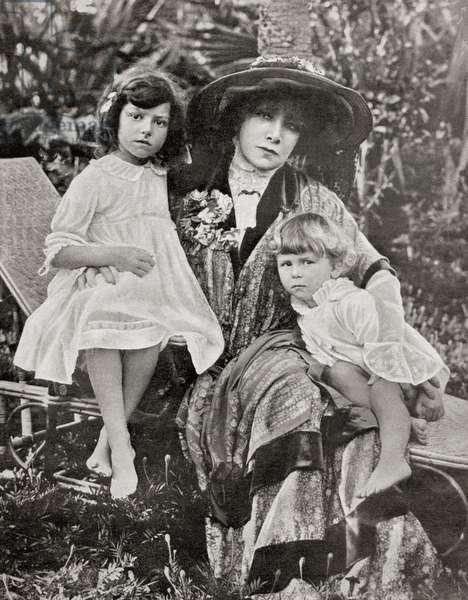 Sarah Bernhardt with her great grandchildren