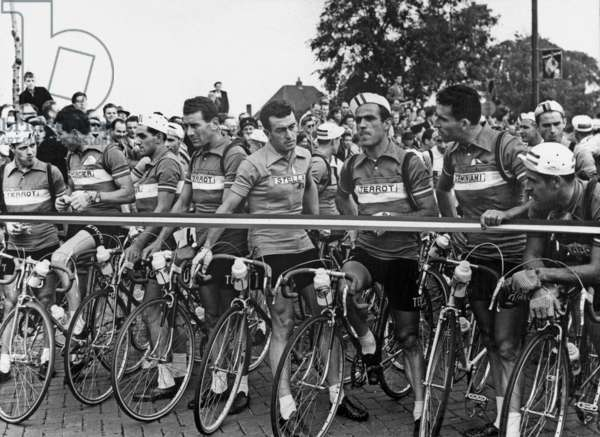 Departure of Tour De France in Amsterdam July 8, 1954 : French Team, in The C Louison Bobet (b/w photo)