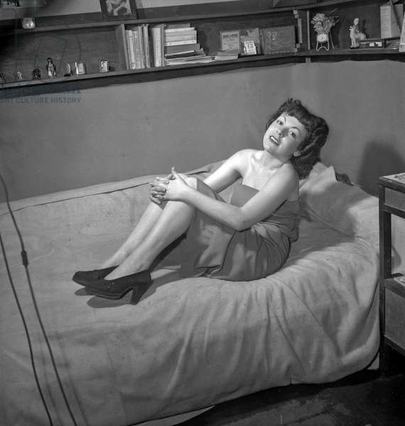 Miss Belletoile, muse of Montmartre, Paris, August 1949 (b/w photo)