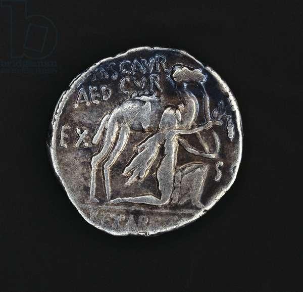 Denarius of Marcus Aemilius Scaurus depicting Nabatean King Aretas, next to camel, paying tribute to Pompey, Roman coins, 1st century BC