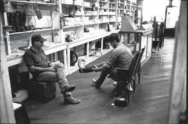 Boot shop Clarendon, Texas, USA, 1998 (b/w photo)