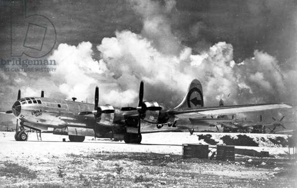 Enola Gay Boeing, 1945
