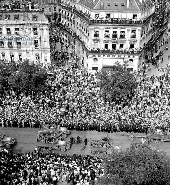 Liberation of Paris, August 26, 1944 : The Crowd Ont He Champs Elysees Wainting For Arriving of General Charles De Gaulle (b/w photo)