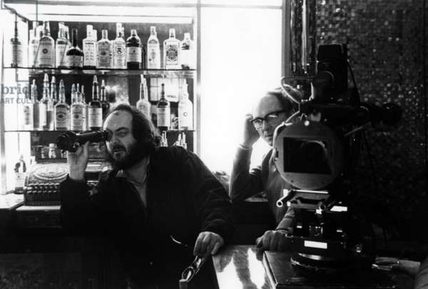 Le réalisateur Stanley Kubrick sur le tournage du film Shining 1980