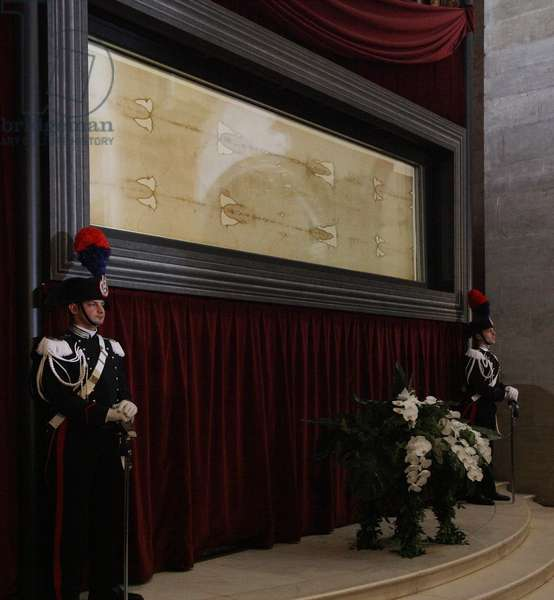 Exposition of the Holy Shroud, Turin, Italy, 2010 (photo)