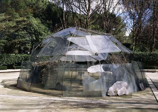 Igloo of the Palacio de las Alhajas; Igloo del Palacio de las Alhajas, 1982 (2 semicircular structures, c-clamps, felt, slate, broken glass,)