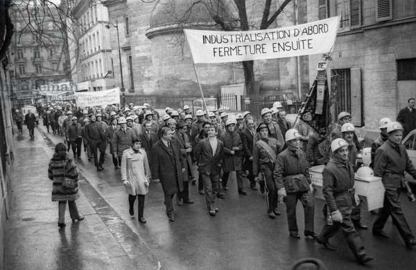 Demonstration of miners in Paris against the closure of their mine in Faulquemont (Moselle, Lorraine, France), February 3, 1971 (b/w photo)