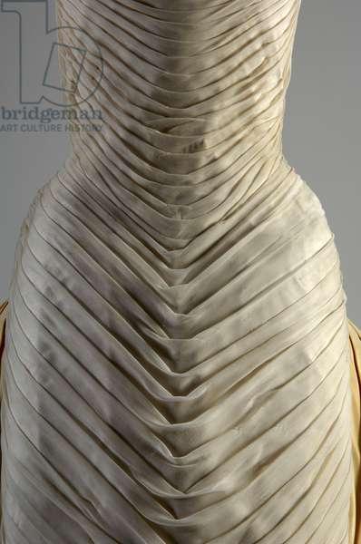 Evening dress, Butterfly, 1954 (front view of waist detail), Silk chiffon, silk faille, DuPont nylon tule, Charles James, U.S.A.