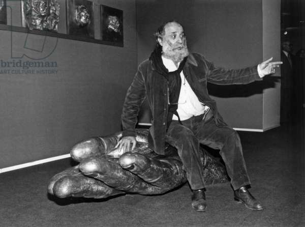 Sculptor Cesar (Cesar Baldaccini) For Exhibition at Post Museum in Paris on February 2, 1984 (b/w photo)