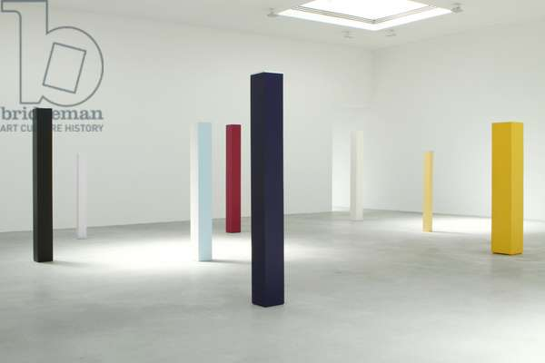 Installation view of Anne Truitt sculpture (acrylic on wood)