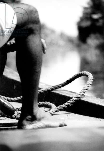 The rope, India, Kerala, 2003, photo black and white, by Carola Guaineri
