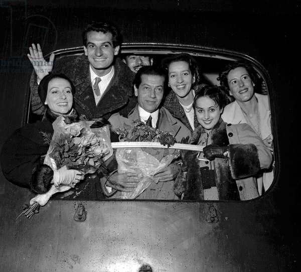 The dancers of the Paris Opera leaving Paris for London, SEptmeber 27, 1954 : Yvette Chauvire, Michel Renaud, Serge Lifar, Micheline Bardin, Liane Dayde and Christiane Vaussard (b/w photo)