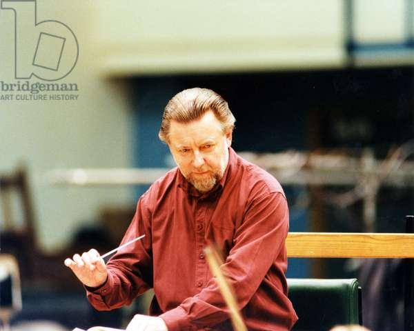 Sir Andrew Davis conducting