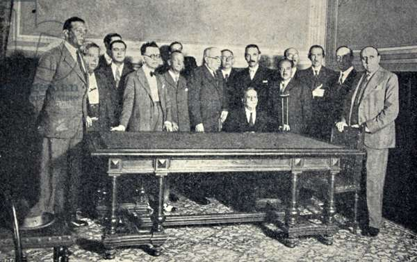 Spanish civil war: The Republican Action minority