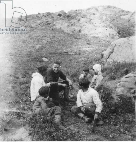 Paul-Emile Victor gradually gets acquainted with the Inuit community, Ammassalik, Greenland, Summer 1934 (b/w photo)