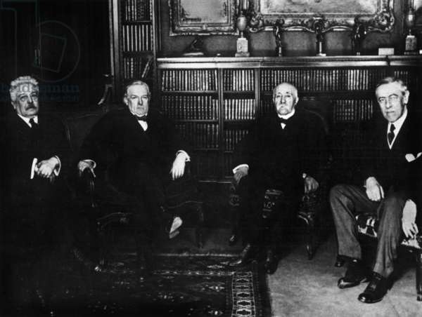 """Paris Peace Conference in January 1919: here the """"four grand"""" signatories g-d: Vittorio Orlando (Italy), David Lloyd George (Great Britain), Georges Clemenceau (France) and Woodrow Wilson (United States) -Paris Peace Conference, January 1919: Vittorio Orlando (Italy), David Lloyd George (England), Georges Clemenceau (France) and Woodrow Drow Wilson (USA)"""