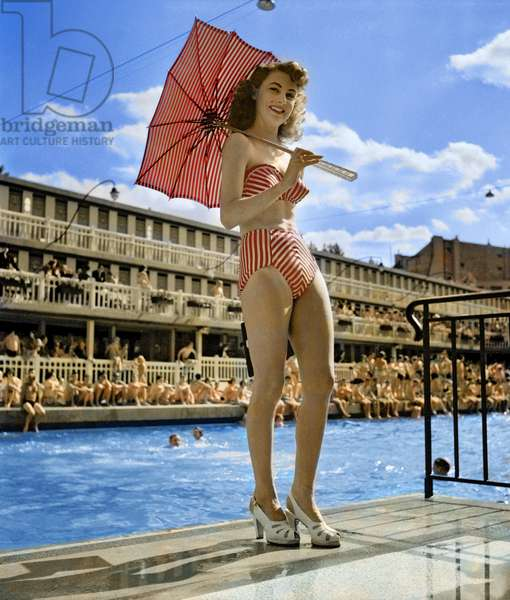 Woman wearing a Réard bikini, 1949 (photo)