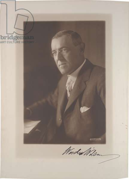 Studio portrait of Woodrow Wilson by Harris & Ewing, c.1915 (sepia photo)