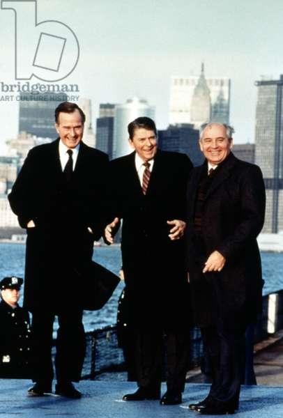 Vice President George Bush, President Ronald Reagan, Soviet Premier Mikhail Gorbachev in New York, 1988