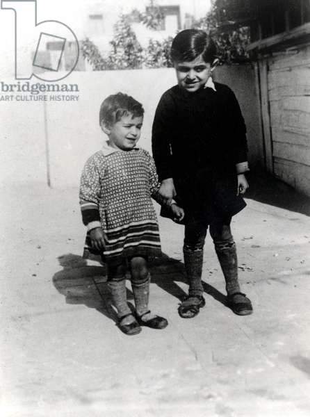 Dalida and her groin brother, 1935