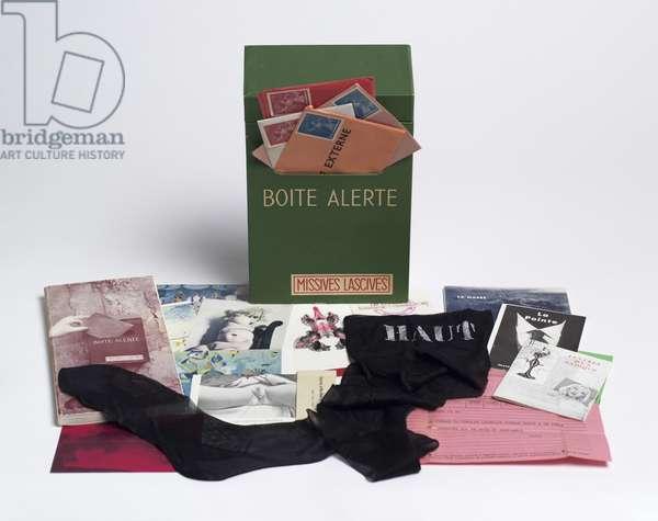 Boîte alerte (Emergency Box), 1959 (mixed media) (see also 451045, 451047, 451048, 451049, 451050, 451051 & 451051)