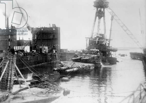The scuttled 'Hindenburg' in Scapa Flow, 1926 (b/w photo)