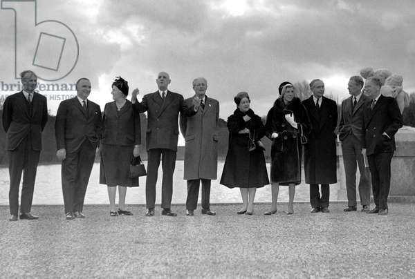 Talks between French President Charles de Gaulle and English Prime Minister Harold MacMillan about Franco-English Cooperation for Autonomous Defence in Europe, December 1962 (b/w photo)