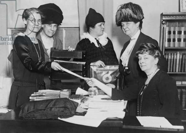 Executive committee of the National League of Women Voters in 1924