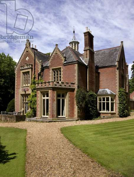 A View of the exterior of the Old Rectory in North Creake (photo)