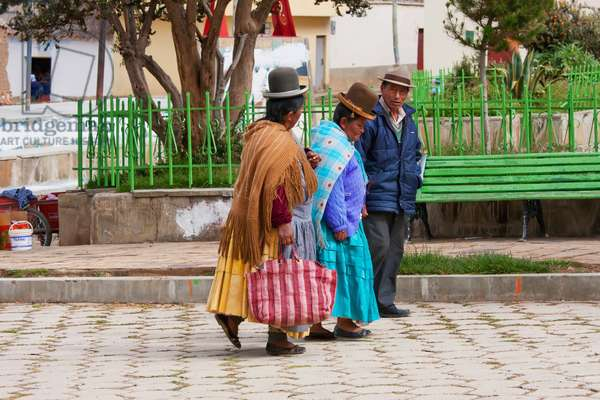 Aymara Women and Man, Calamarca, La Paz Department, Bolivia (photo)