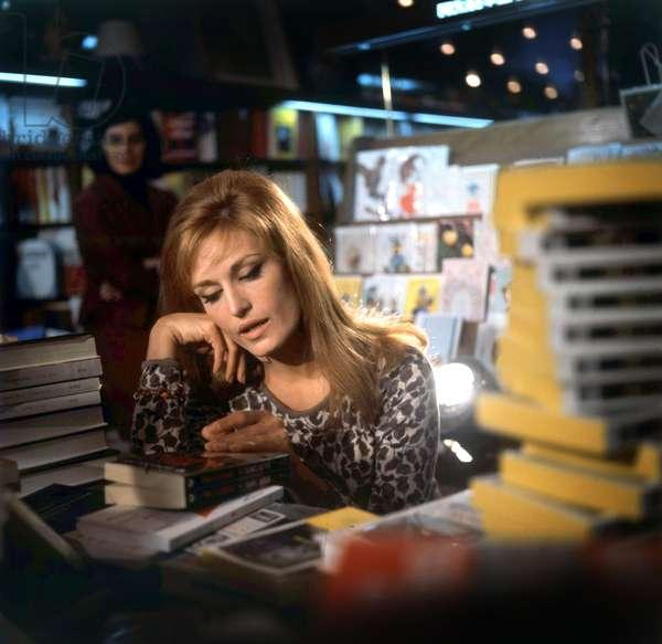 Singer Dalida in a bookshop, c. 1968 (photo)