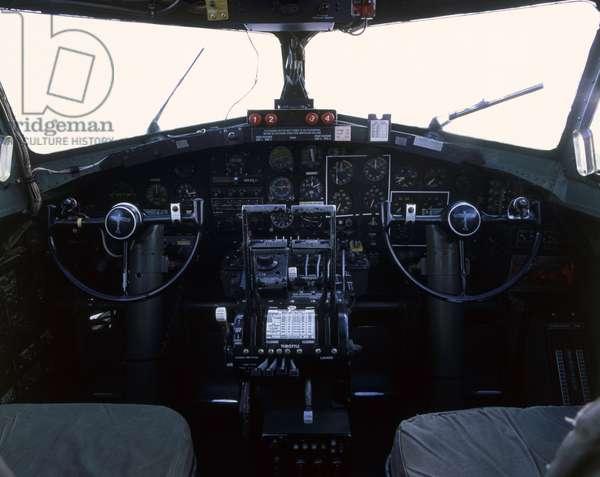 Boeing B-17G Flying Fortress, cockpit