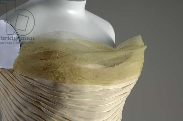 Evening dress, Butterfly, 1954 (front oblique view of bust detail), Silk chiffon, silk faille, DuPont nylon tule, Charles James, U.S.A. Worn byMrs. John V, Farwell III nèe Margaret Willing