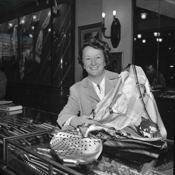 Annie Baumel, decorator, awarded at the French quality festival award, 1952