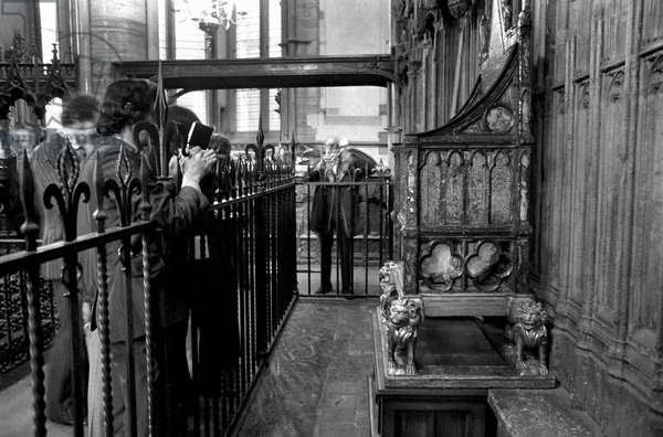London: Westminster Abbey: Stone of Scone back in its place under coronation chair in Westminster. September 1974