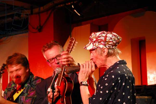 Michael Horovitz, 100 Club, London, Poetry Day, October 2011 (photo)
