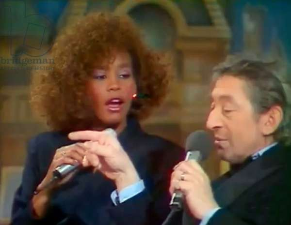 Whitney Houston shocked after the remarks of Serge Gainsbourg in his egard during the show Champs Elysee presented by Michel Drucker in 1986 When Whitney Houston with Serge Gainsbourg