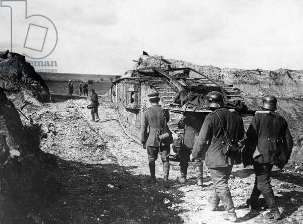 Official photograph taken on the British Western Front, 1917-1918 (b/w photo)