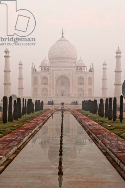 Sunrise at the Taj Mahal (photo)