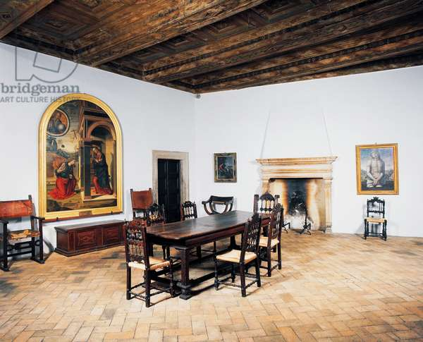 Room with a table and chairs in the birth house of Raphael (1483-1520), 15th century, Urbino (UNESCO World Heritage List, 1998), Marche, Italy