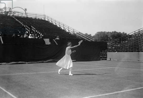 Suzanne Lenglen (1899-1938) french tennis player, c. 1920