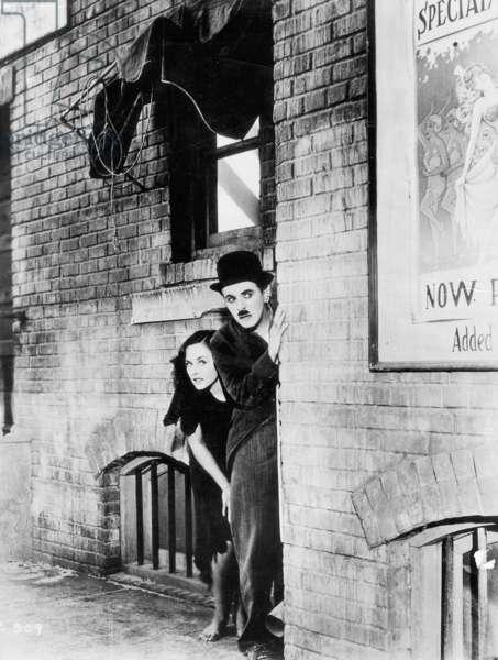 Charles Chaplin and Paulette Goddard in 'Modern Times', 1936 (b/w photo)