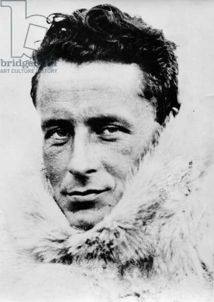Paul-Emile Victor on the Why-Pas?. On his way to Greenland, he tries a sealskin outfit, Greenland, Summer 1934 (b/w photo)